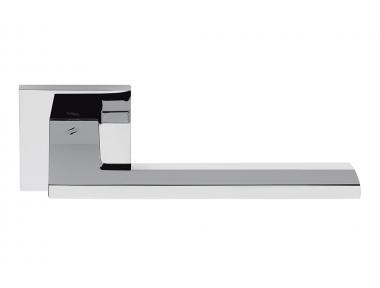 Полированная хромированная дверная ручка Electra на розетке плоской формы от Colombo Design