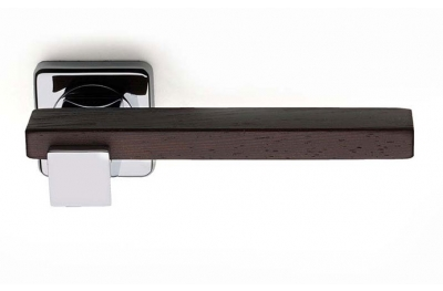 Плюс Линия Wenghe деревянной ручкой на Розетка Fashion Square PFS Pasini