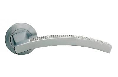Сетка профиль матовый хром ручка двери на Розетка Linea Cali Кристалл